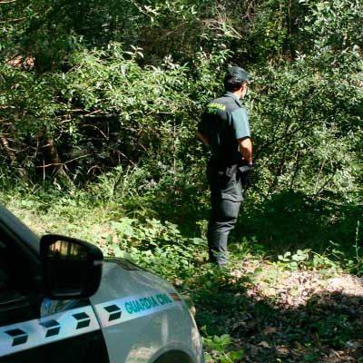 La Guardia Civil localiza a un menor extraviado en Samboal mientras su familia pescaba cangrejos en el río Pirón