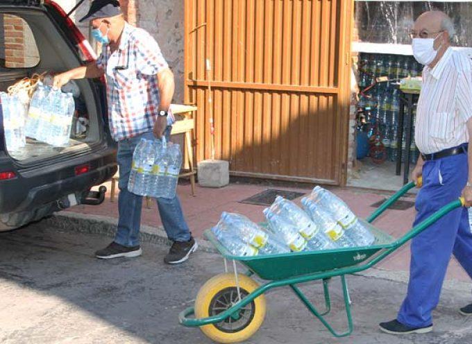 La presencia de nitratos lleva a Lastras de Cuéllar a retomar mañana el reparto de agua embotellada entre sus vecinos