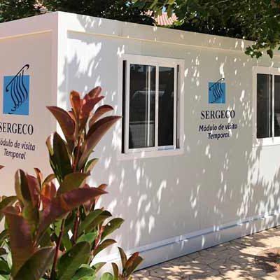 La residencia de Sanchonuño instala un módulo para que los mayores puedan recibir visitas seguras