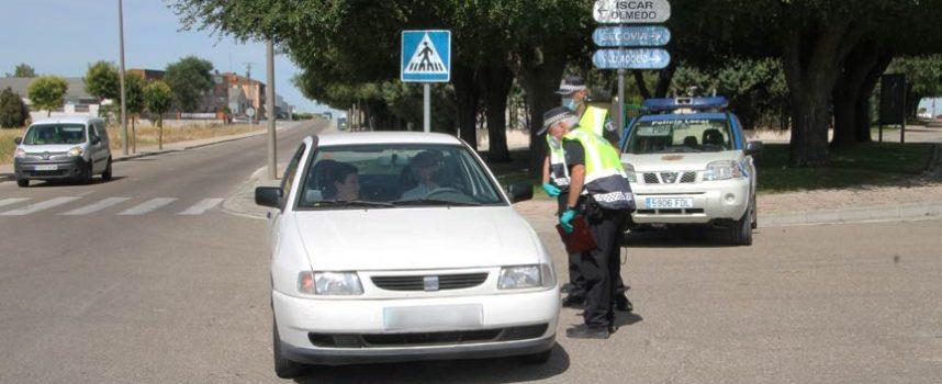 La Policía Local controla los desplazamientos injustificados a la villa de vecinos de Íscar y Pedrajas
