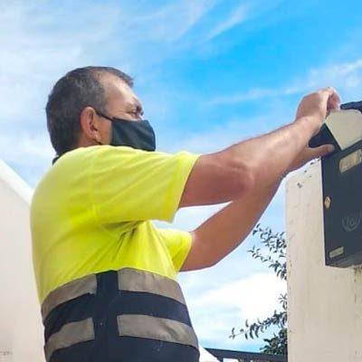 El Ayuntamiento de Campo de Cuéllar realiza un tercer reparto de mascarillas entre sus vecinos