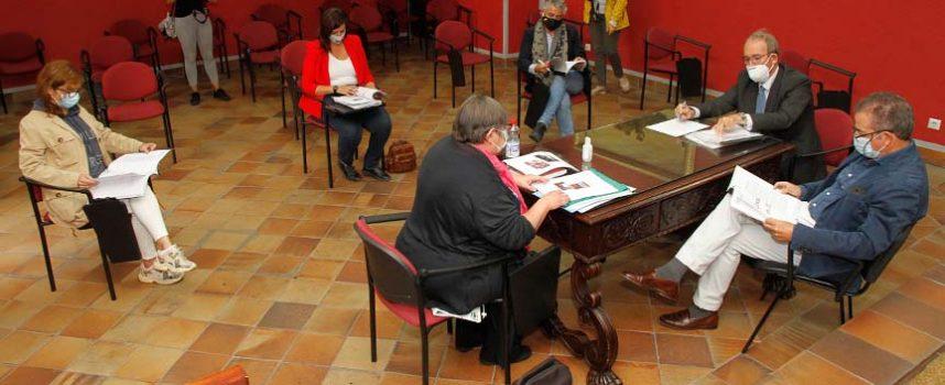 Digitalización de documentos y atención a investigadores centran la actividad del Archivo de la Casa Ducal de Alburquerque