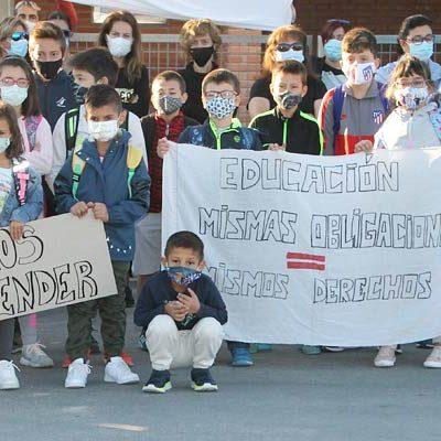Gomezserracín reclama un cuarto docente para que sus hijos reciban la Educación que merecen