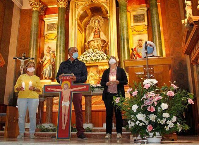 Un centenar de antorchas iluminaron el Santuario de El Henar