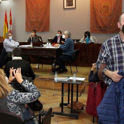 PP y Cs abandonaron el pleno al no poder expresar su desacuerdo con las sesiones presenciales