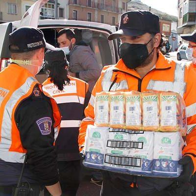La Junta de Castilla y León suministra material y vestuario a los voluntarios de Protección Civil de la provincia de Segovia