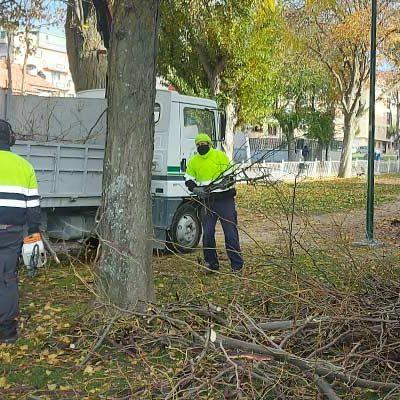 El Ayuntamiento prepara la instalación de una nueva zona de juegos infantiles en el parque de Santa Clara