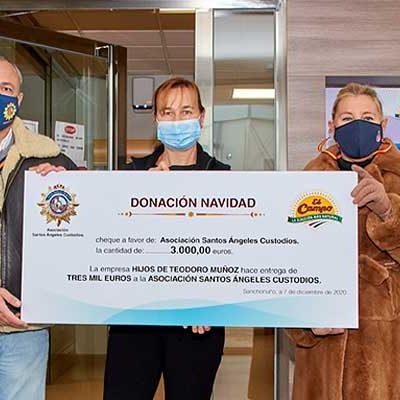 El Campo dona 3000 euros y una tonelada de maíz a la Asociación Santos Ángeles Custodios