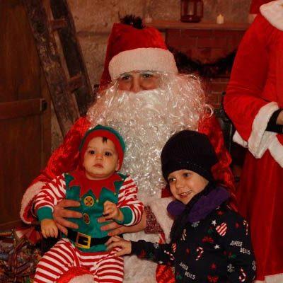 Papá Noel fija horarios para recibir a los niños en los colegios de Cuéllar