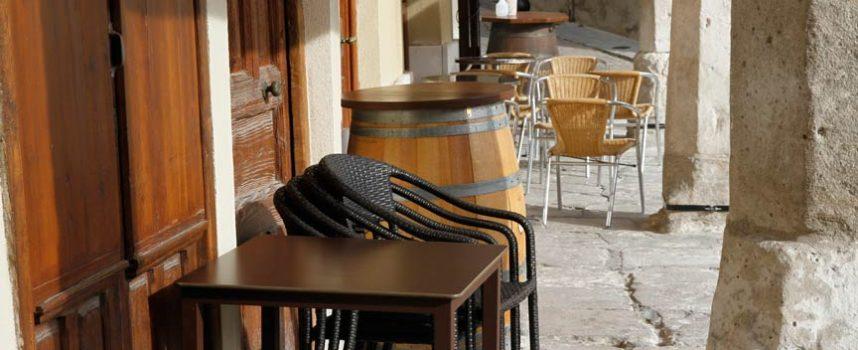 La Junta declara el cierre de la hostelería, centros comerciales y deportivos en las provincias de Segovia, Ávila y Palencia