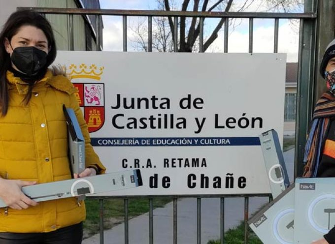 El club Racing Cuéllar entrega al CRA Retama el material adquirido con la recaudación de su Torneo Benéfico virtual