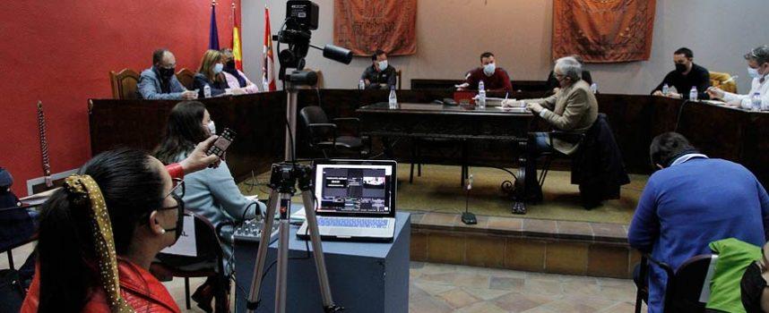 La retransmisión en directo del pleno volvió a enfrentar a PP y Cs con el alcalde de Cuéllar