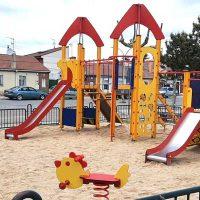 El Ayuntamiento abre la zona infantil y los biosaludables del barrio de San Gil