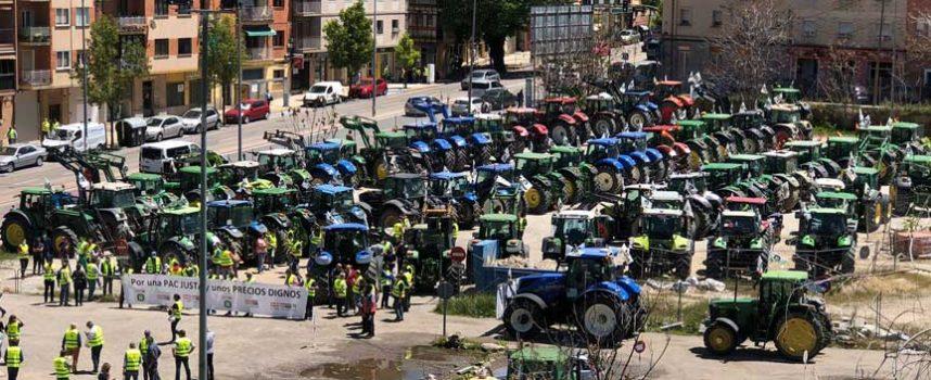 Los tractores toman Segovia de la mano de la Unión de Campesinos para hacer oír sus demandas