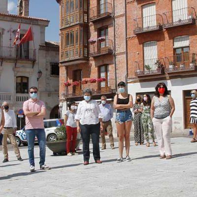 El Ayuntamiento de Cuéllar se suma a la concentración silenciosa contra la violencia machista