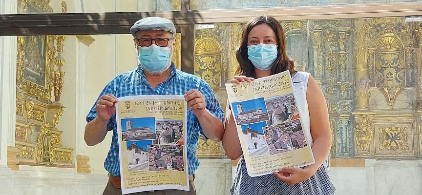 Juan Carlos Llorente y Maite Sánchez muestran el cartel anunciador de Con el Patrimonio Puntualmente 2021