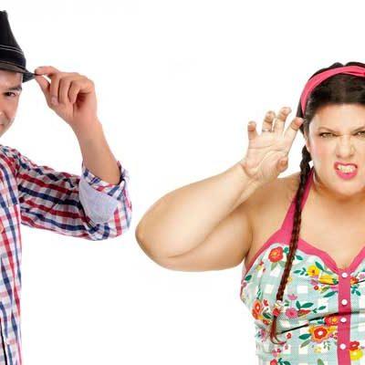 Tarde de risas en Cuéllar con los monologuistas Coria Castillo y José Boto