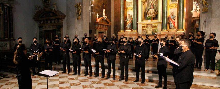 Las voces de la Coral Ágora resonaron en el Santuario de El Henar