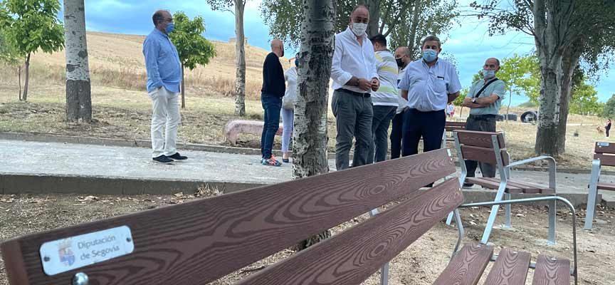 La Diputación de Segovia subvenciona a 176 municipios de la provincia la compra de mobiliario urbano