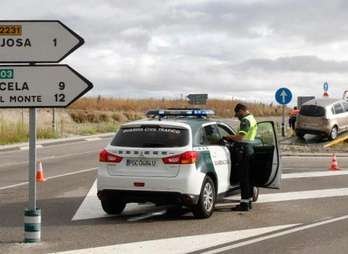 Un herido leve en un accidente en el cruce de la carretera de Peñafiel en Cuéllar