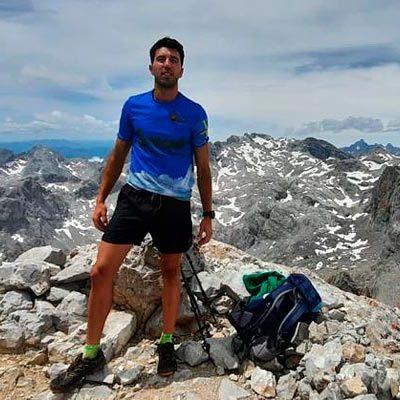 El cuellarano Carlos Velasco suma éxitos subiendo a las cimas practicando `Trail Running´