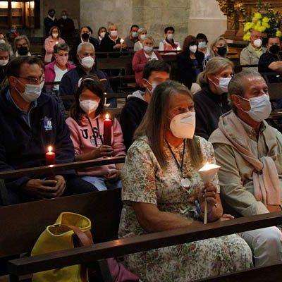 El Rosario de Antorchas iluminó el interior del Santuario de El Henar