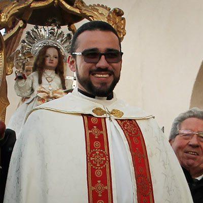 El sacerdote Anthony Méndez deja Cuéllar y le releva el venezolano Emir-José Arcía