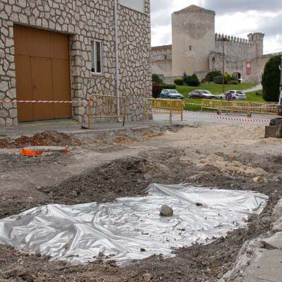 La aparición de unos silos detiene las obras de reforma de la calle Pelota