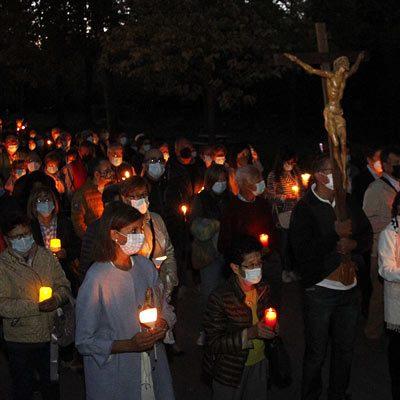 La luz de las velas volvió a iluminar el Santuario de El Henar en su Año Jubilar