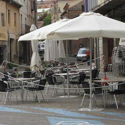 El Ayuntamiento reformará la ordenanza de terrazas unificando la hora de cierre y fijando una tasa anual por mesas